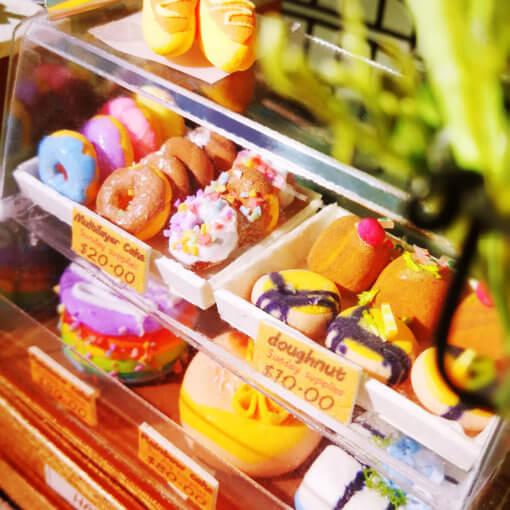 cake-shop-doll-house-miniature-house-kit-room-2
